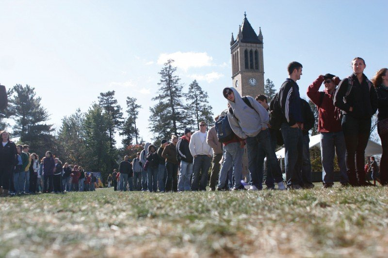 Food on Campus Thursday - Long lines