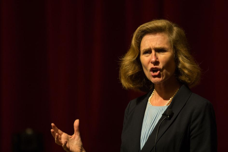 Presidential candidate Whitten talked student financial aid, community outreach