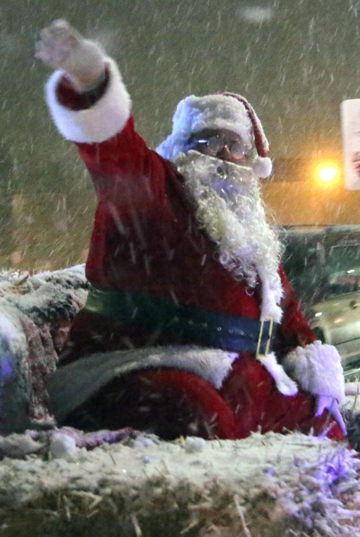 Snow adds to the festive North Branch  Christmas tradition