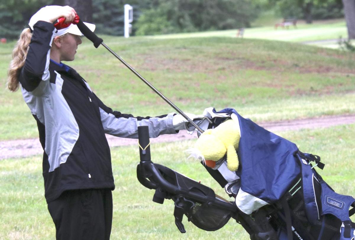 Golfers battle tough courses, competition at state