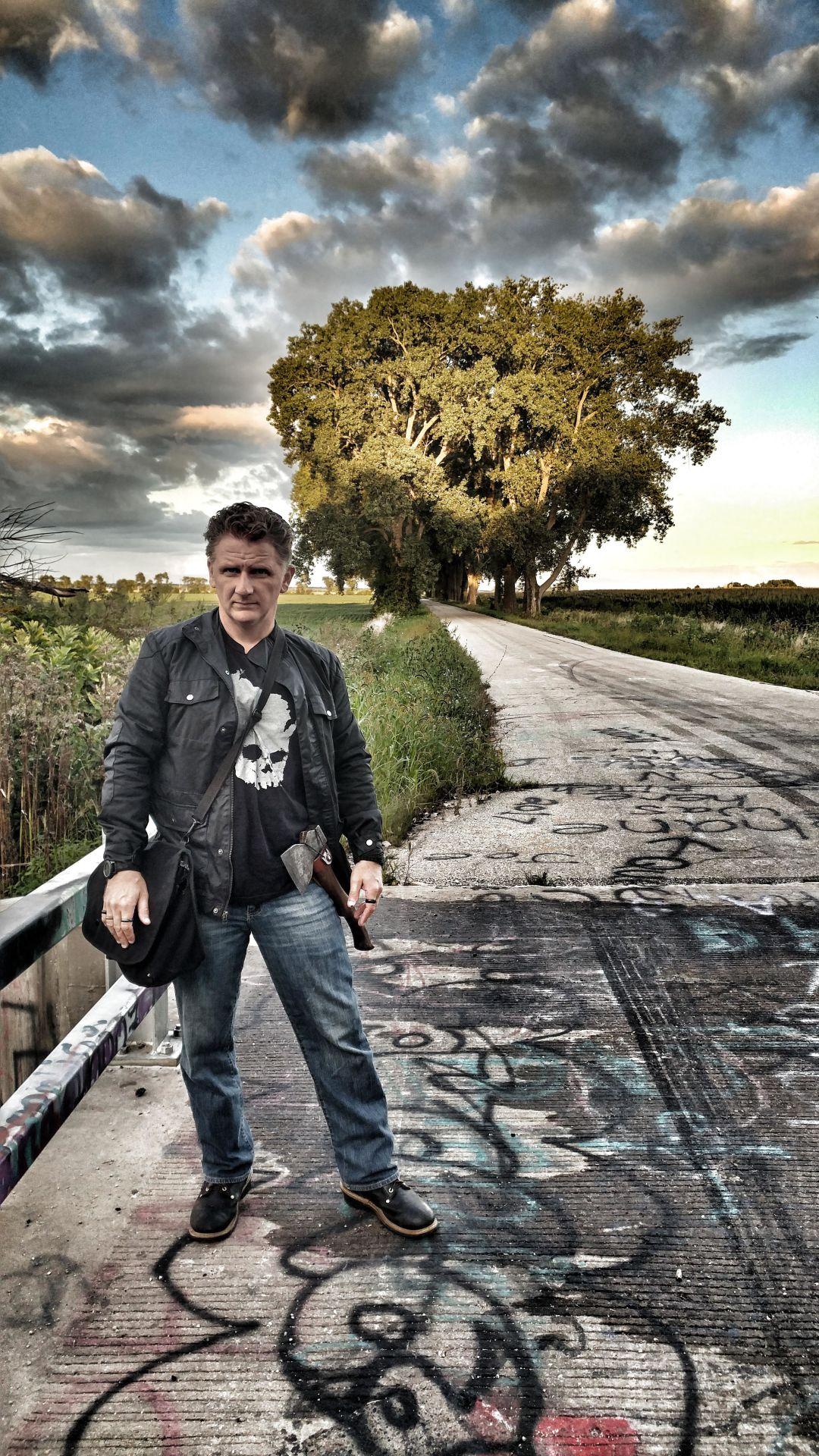 Truly bizarre: Ghost hunter will share strange  but true Minnesota tales