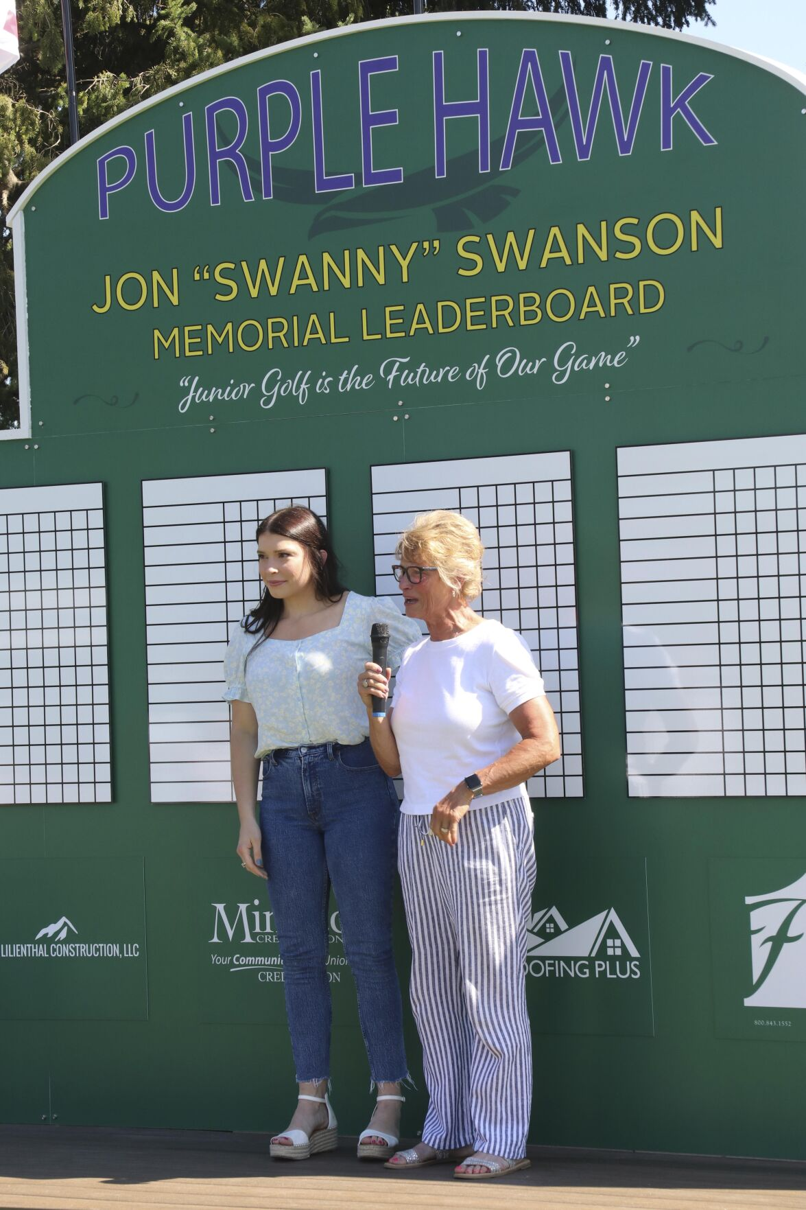 Former golf pro honored with leaderboard dedication