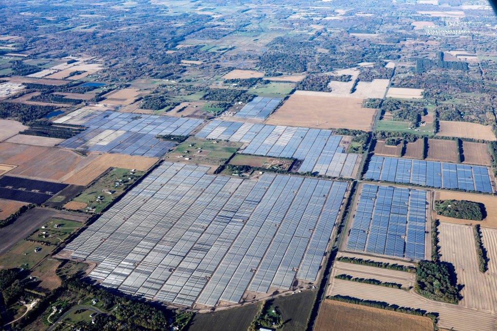 Construction wraps on Midwest's largest solar facility in North Branch