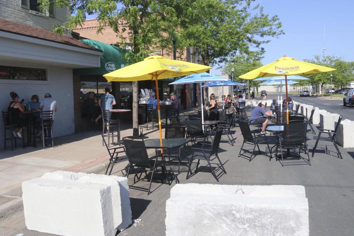 Cambridge offers restaurants a little elbow room