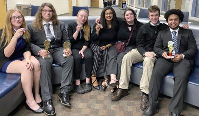 North Branch DECA  students head to state