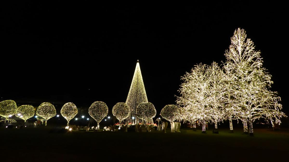 Opryland Christmas.Slideshow Holidays In Nashville Itemonline Com