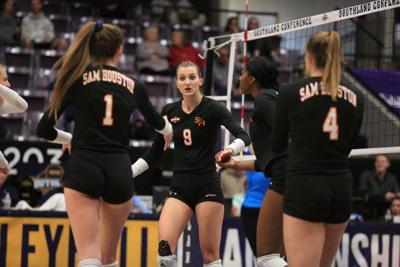 Bearkat volleyball earns bid to national invitational tournament