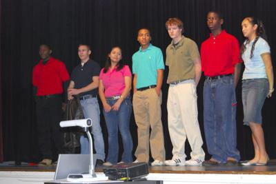 6e3817a18a Students, parents oppose HISD dress code proposal | News ...