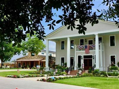 Garden Center expands outreach with new artisanal market