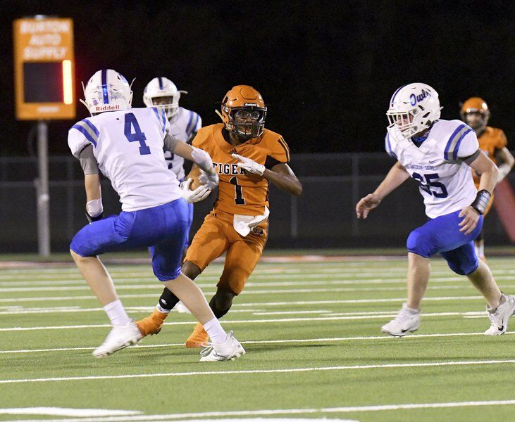 Trinity stumbles in league opener against Diboll