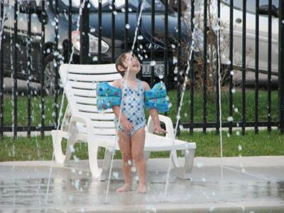 Aquatic center, splash pad to have limited reopening next month