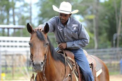Local roper overcomes odds on way to junior high nationals