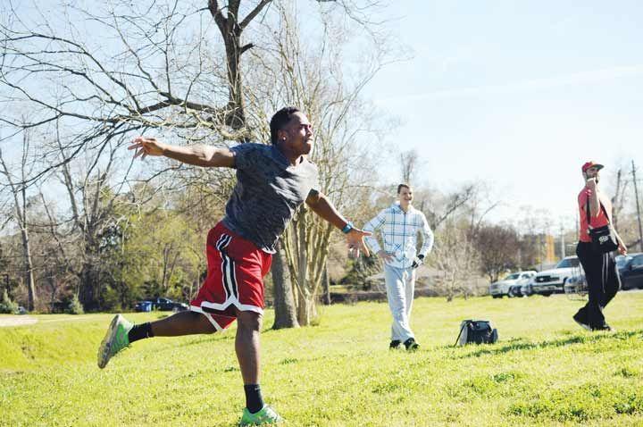 Frisbee golf at Huntsville's Eastham-Thomason Park