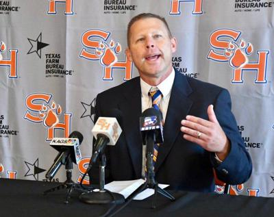 Sirianni's career shaped by mentors, longtime coach dad