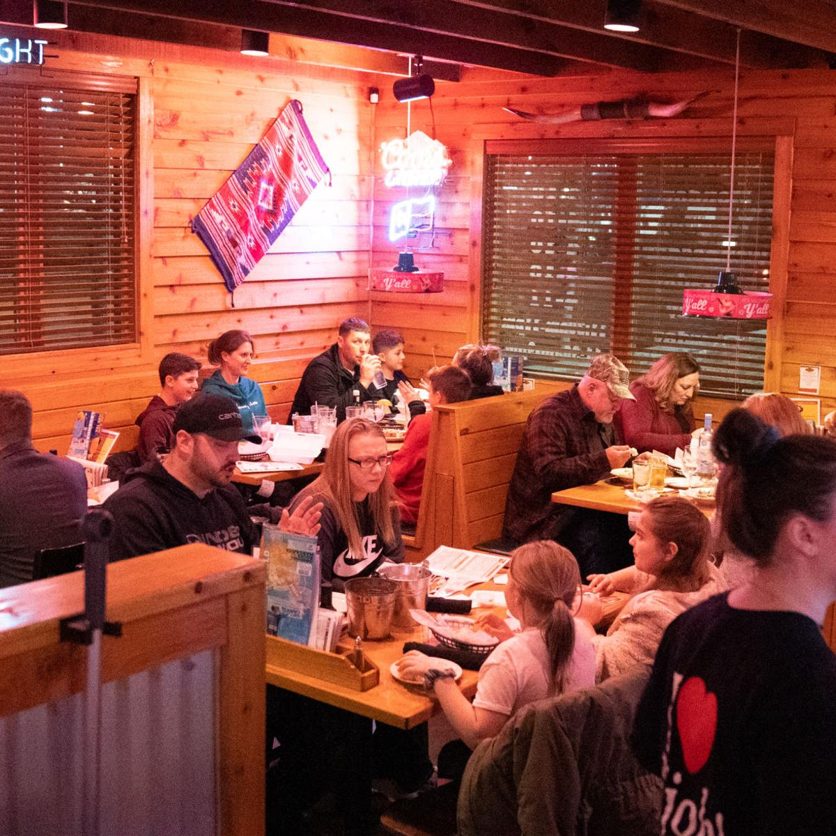 Texas Roadhouse A Cheerful Chain Experience Restaurant Reviews Ithaca Com