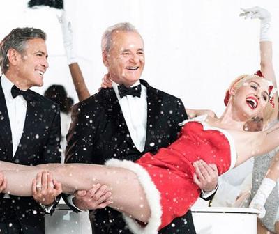 Murray Christmas.Bill Murray S Christmas Special Never Really Lights Up