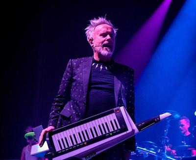 Howard Jones, known for his musical success in the 1980s, is touring with an all-acoustic trio and coming to Ithaca on March 13 at the Hangar Theatre.