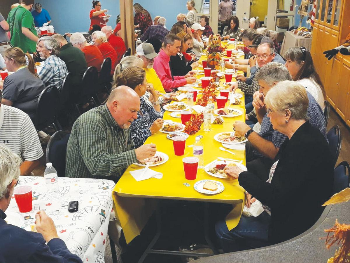 Rusk residents enjoy community meal