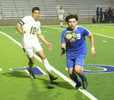 Boys Soccer: Jacksonville opens district by downing Pine Tree