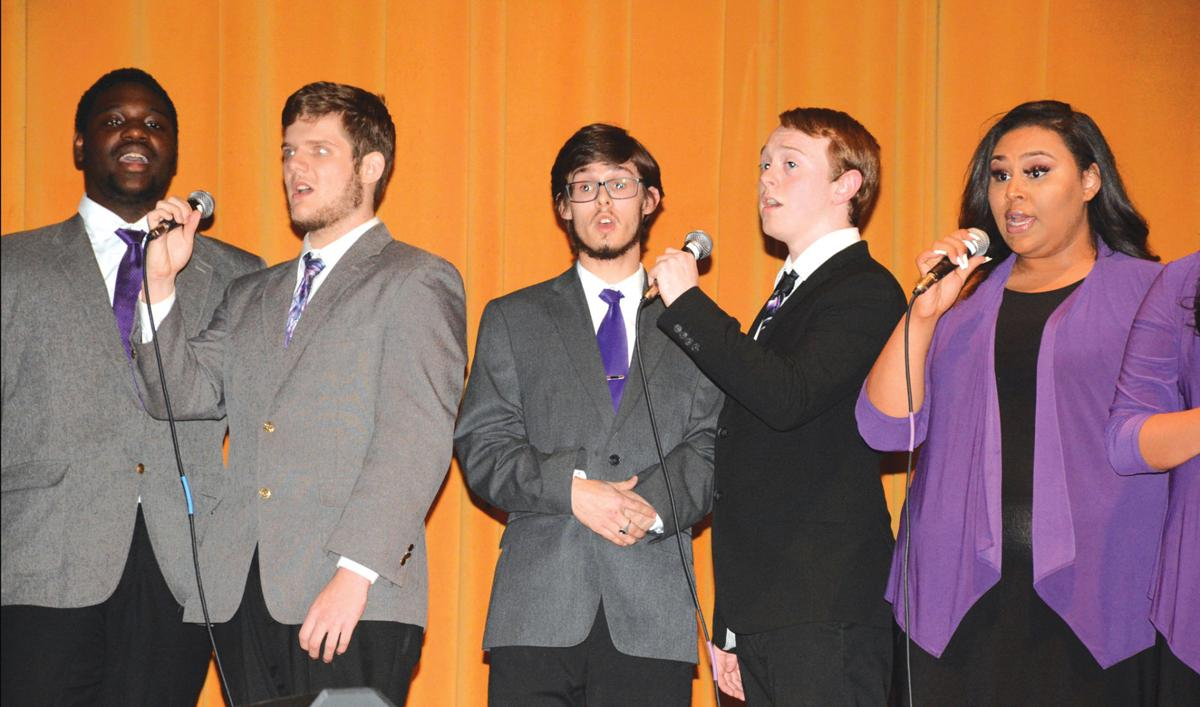 Students perform in fall concert
