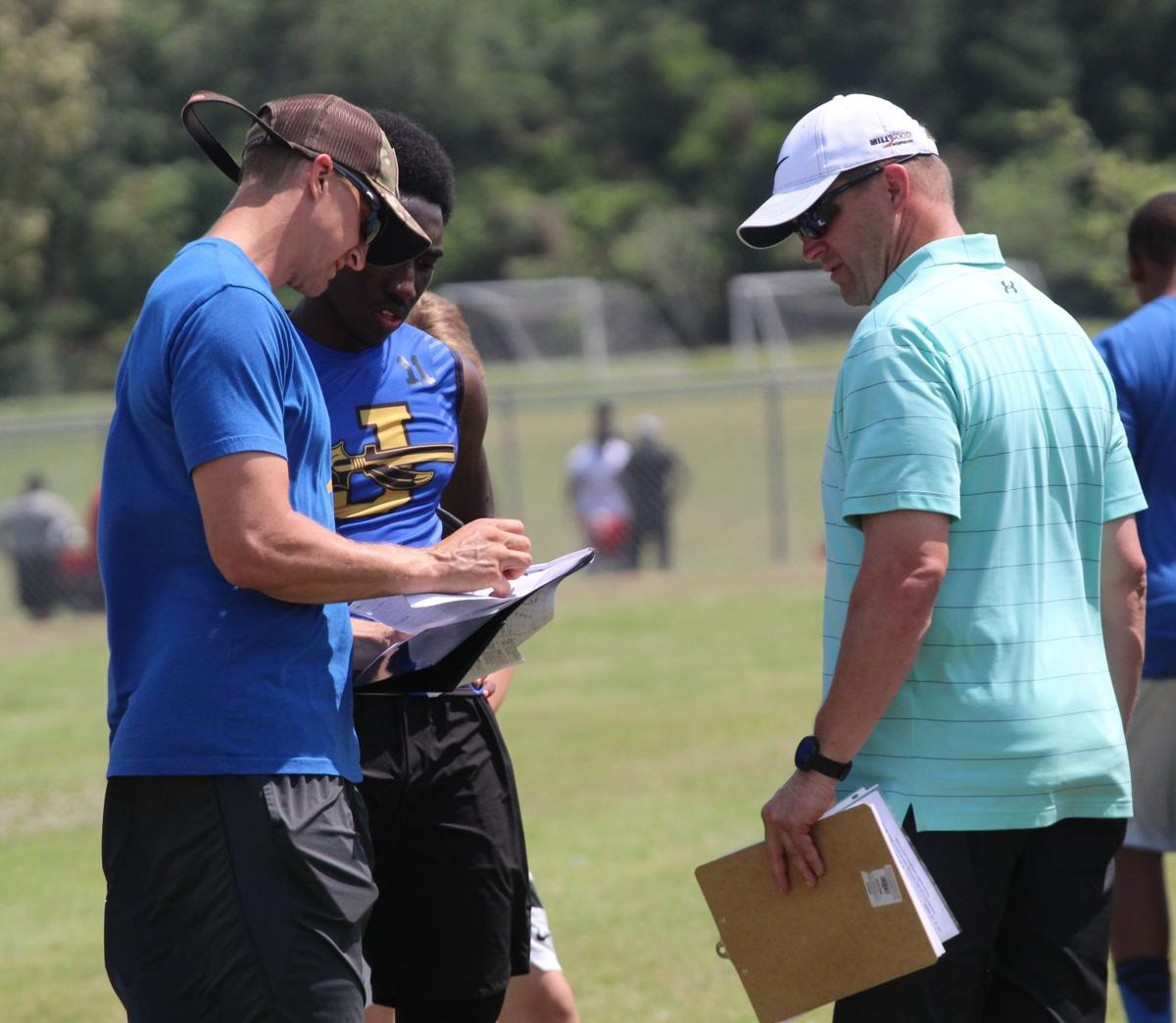 Indians gain experience in Tyler 7 on 7 state qualifier
