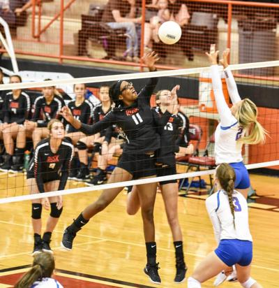Volleyball: Rusk downs Henderson 3-2 in opener
