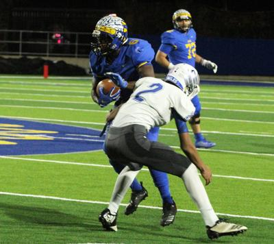 Jacksonville loses to Lindale 64-50; Carpenter catches 4 TD passes