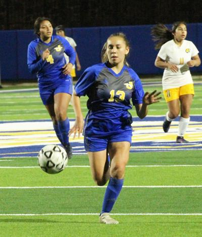 Fightin' Maiden Soccer sails past Lady Dragons, 4-1