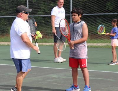 Spaces are available in free beginner's tennis lessons program