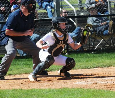 McCown's walk off single gives Jacksonville 2-1 win over Lady Mavs
