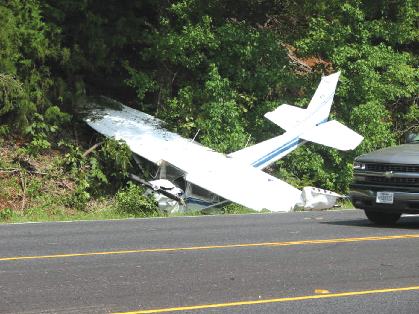 Caught on camera: Plane crash on Texas highway