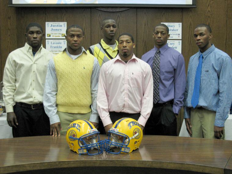 02-04 JHS signings #1.jpg