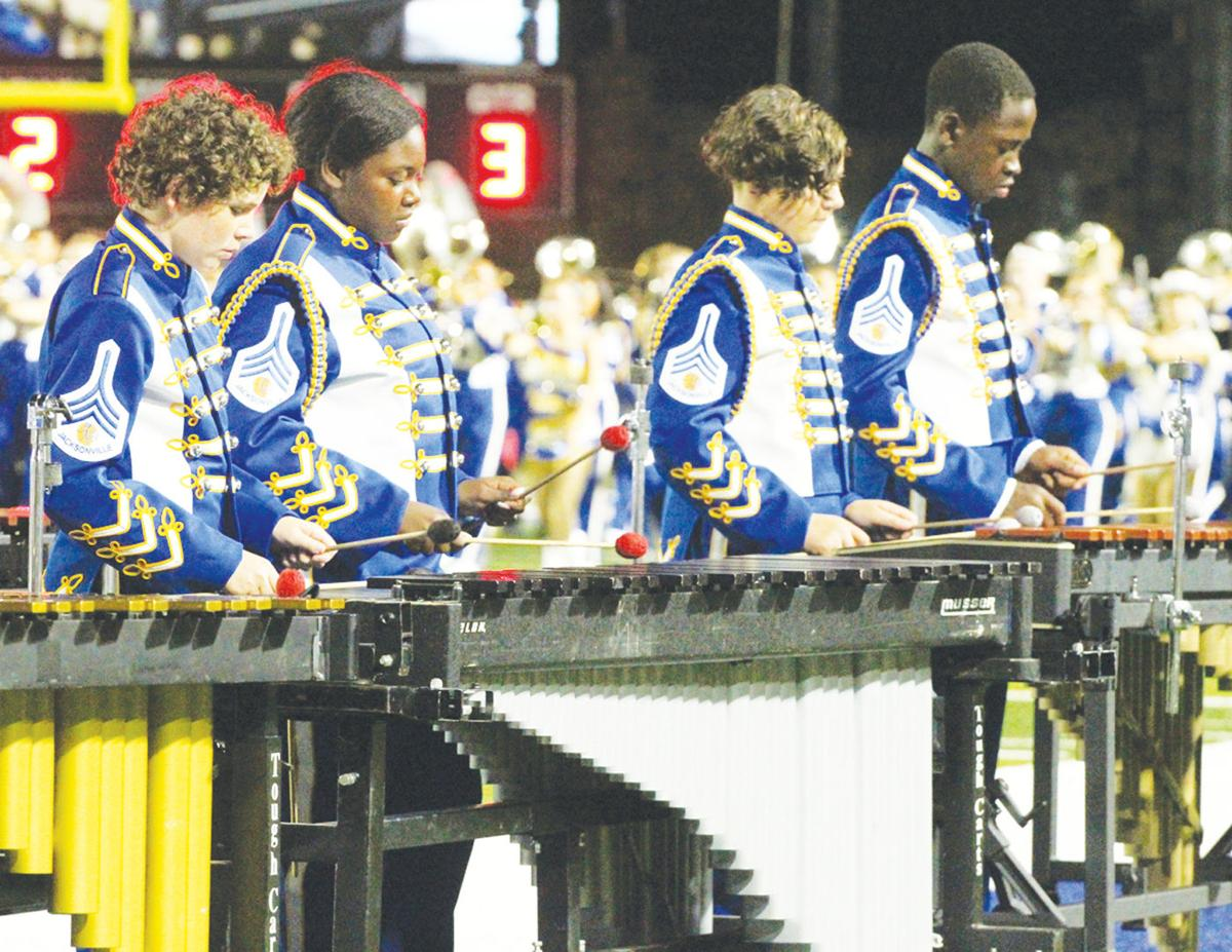 Charmers, band  perform for the fans