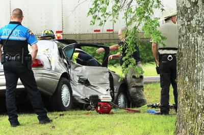 Pin-in accident involving car and 18-wheeler injures 1