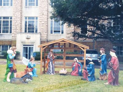 Courthouse nativity scene draws criticism