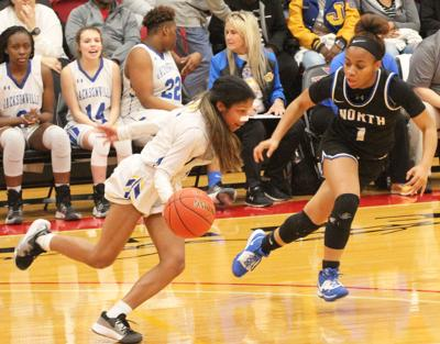 Fightin' Maidens advance to regional quarterfinals by beating North Forney