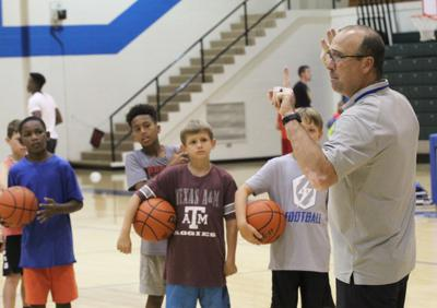 Local kids come eager to learn at Jacksonville Indian Basketball Camp