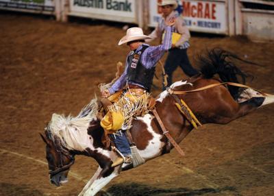 05-10-Rodeo + foto.JPG