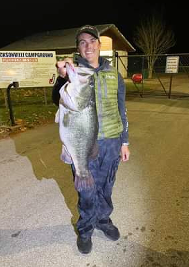 Sheehy catches a behemoth bass at Lake Jacksonville