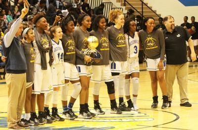 Fightin' Maiden Basketball wins district championship