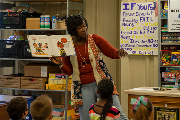 Tolliver tells students to 'reach for the stars'