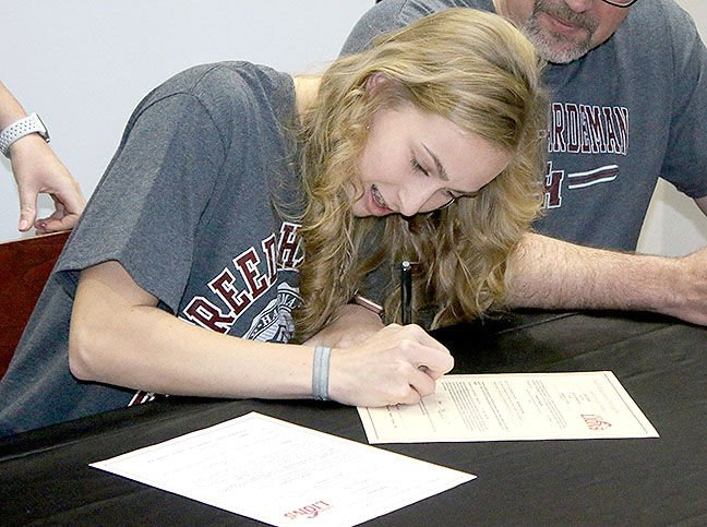 Signing with Freed Hardeman