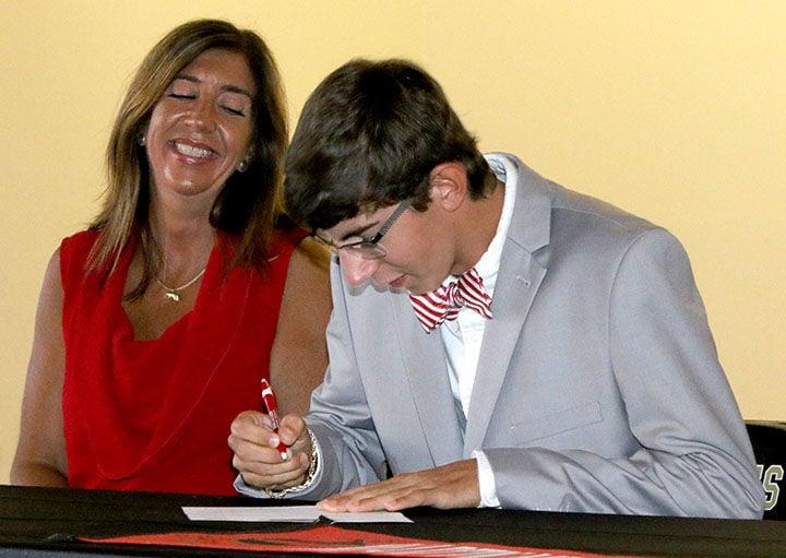 Signing with Martin Methodist