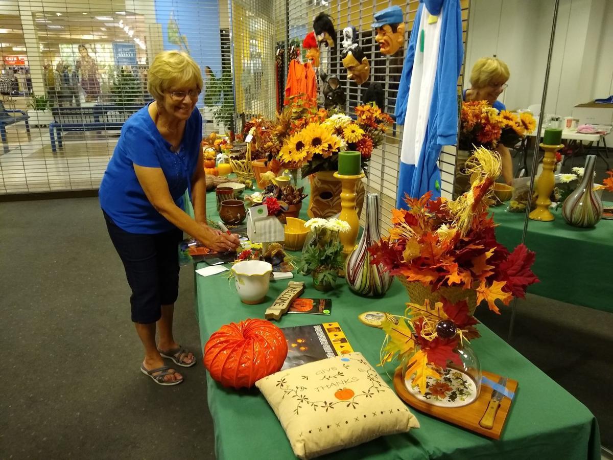 Treasure Aisles holiday decorations