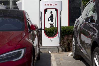 Electric Cars-Getting Charged Up