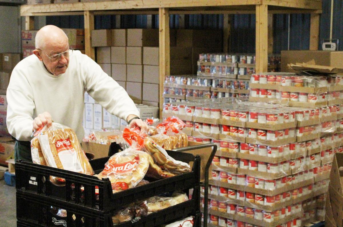 122217-mat-food-volunteer-RS