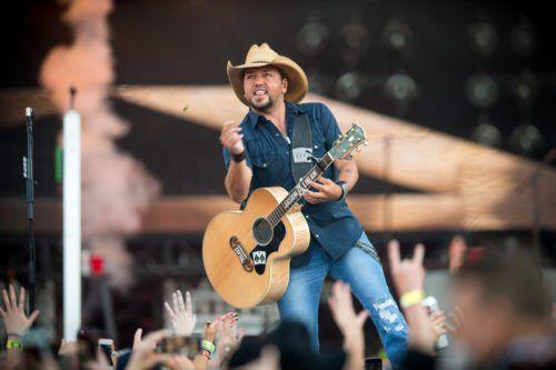 Jason Aldean Speaks About 'heartache' After Vegas Shooting, Cancels Weekend Performances
