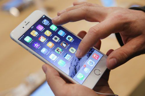Apple To Temporarily Cut Price Of IPhone Battery Replacements