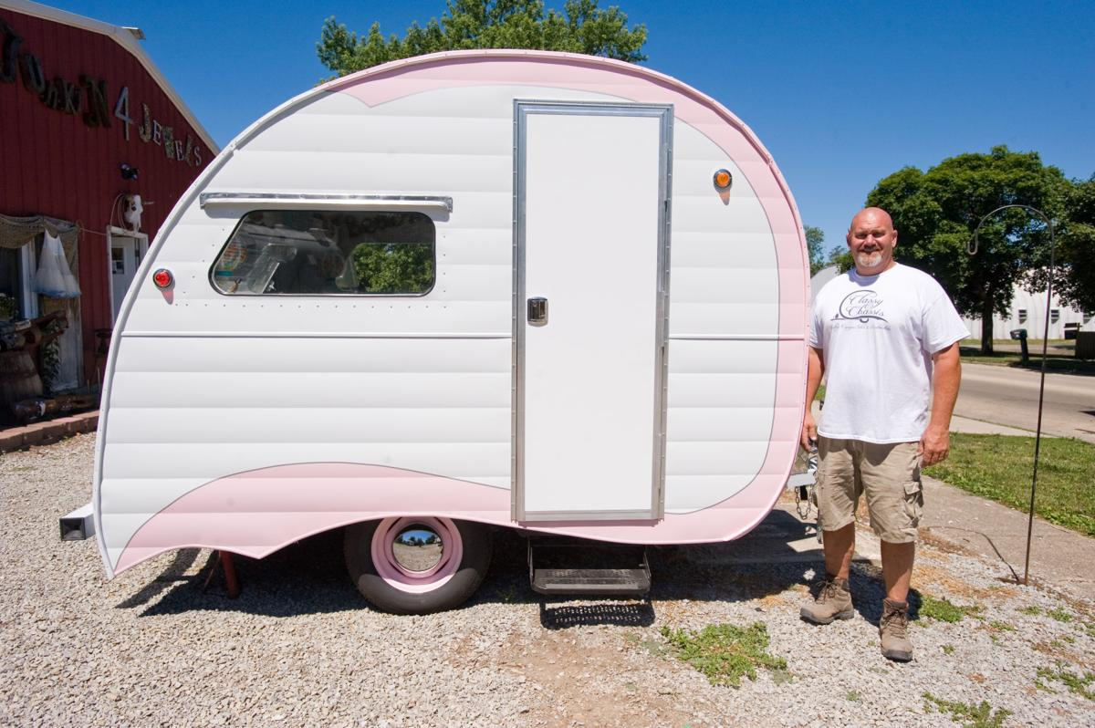 New Mattoon business rebuilds vintage campers | Lifestyles