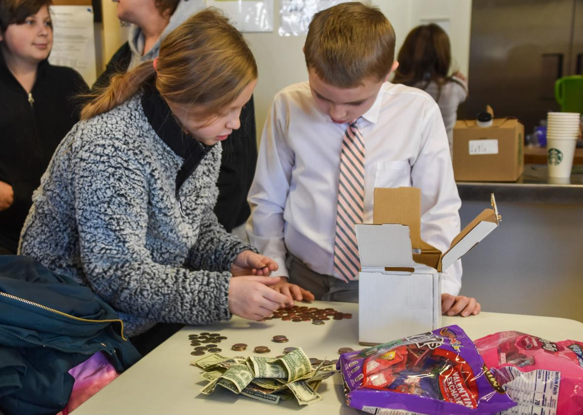 Charleston students visit Haven shelter